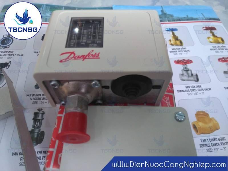 Hình ảnh củaCông tắc áp suất Danfoss KP366